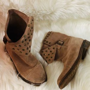 Bershka Pull on tan suede boots studs embellished